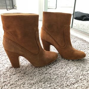 Zara Camel «loose» suede ankle boots 7us / 37 eur